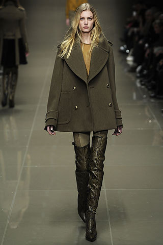 Burberry Fall Winter 2010 Sigrid Agren