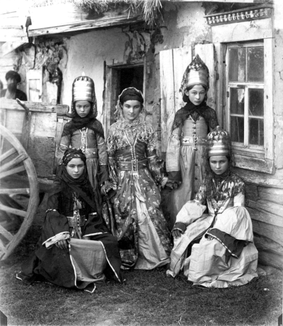 firsttimeuser:  Abazinka girls, 1890s by Dmitri Ivanovich Yermakov