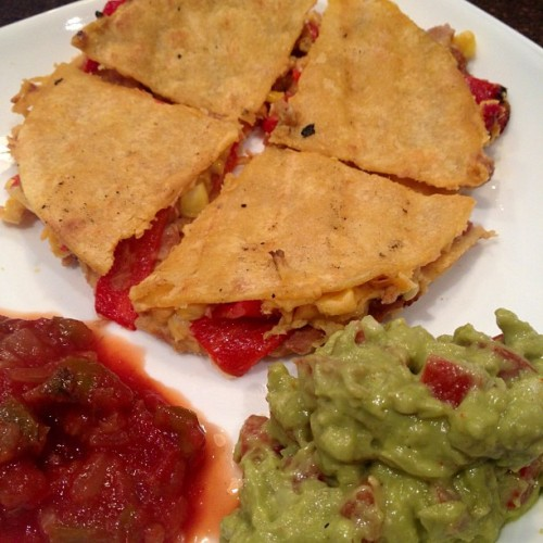 veguun:  Homemade barbeque roasted vegetable quesadilla, guacamole, and salsa for dinner! Aye, aye, ayeeeee!  Dead.