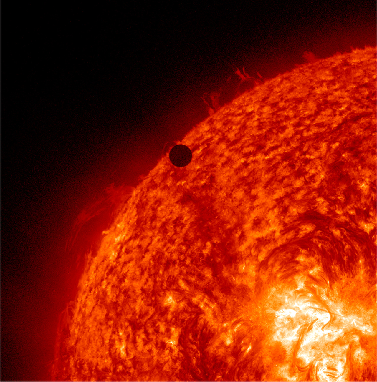 infinity-imagined:  Transit of Venus across the Sun