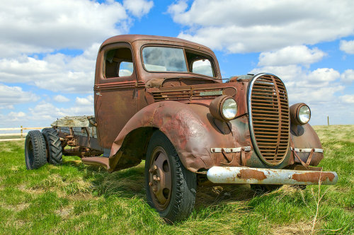 Old truck by ~MoCity