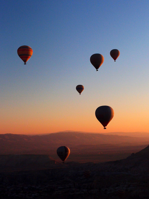 Amanecer en globo. Balloon sunrise. (by J Alemañ)