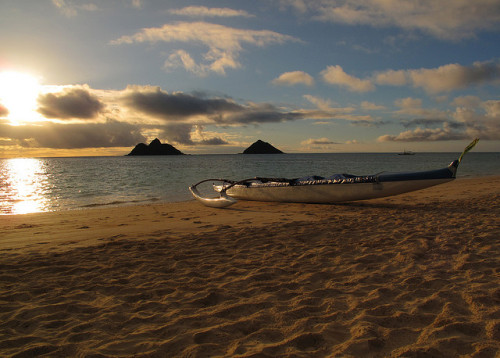 nalumonphotography:  discoverhawaiitours:  Lanikai beach, Oahu, Hawaii by Hawaiian beach on Flickr. Want to go for a morning paddle?  Shoots, I call seat one!