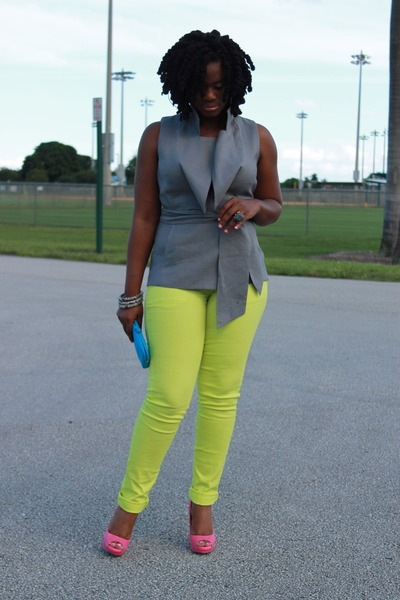 blackandkillingit:  A pop of NEON - via chictopia