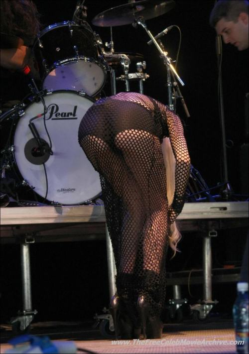 Taylor Momsen paparazzi seethru photosfree nude picturesLink to photo & video: bit.ly/Jhz2if