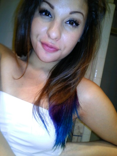 Dyed my hair :')