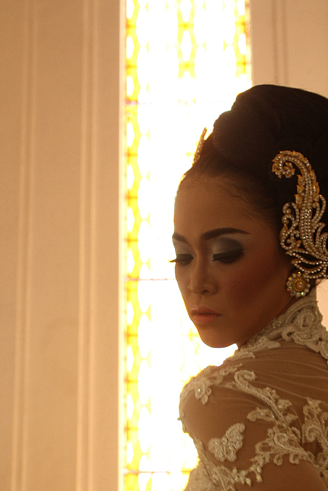 Photographed by: Rinda Wulan Make Up by: Ferry Wijaya Kusuma