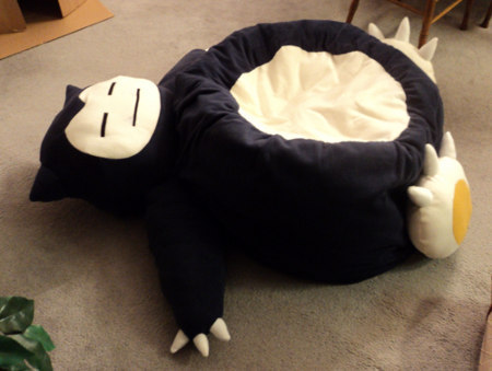 "llamaloveszombie:  ""There's a sleeping Snorlax blocking the road. And there's some lazy guy on him."""