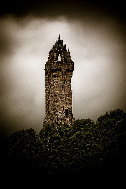fotoflingscotland:  Wallace Monument on Flickr. Via Flickr: Wallace Monument, Stirling, Scotland