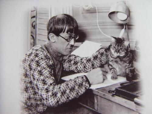 Léonard Foujita. The company you keep, the size of their whiskers.