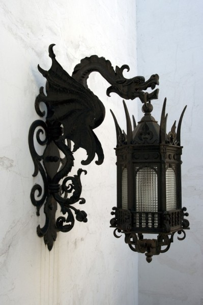Targaryen lamp holder