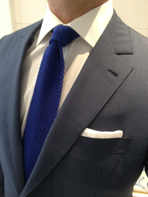 dirnelli:  Di Castri puppytooth suit and shirt. Atelson lace hanky. Cifonelli electric blue knit tie.