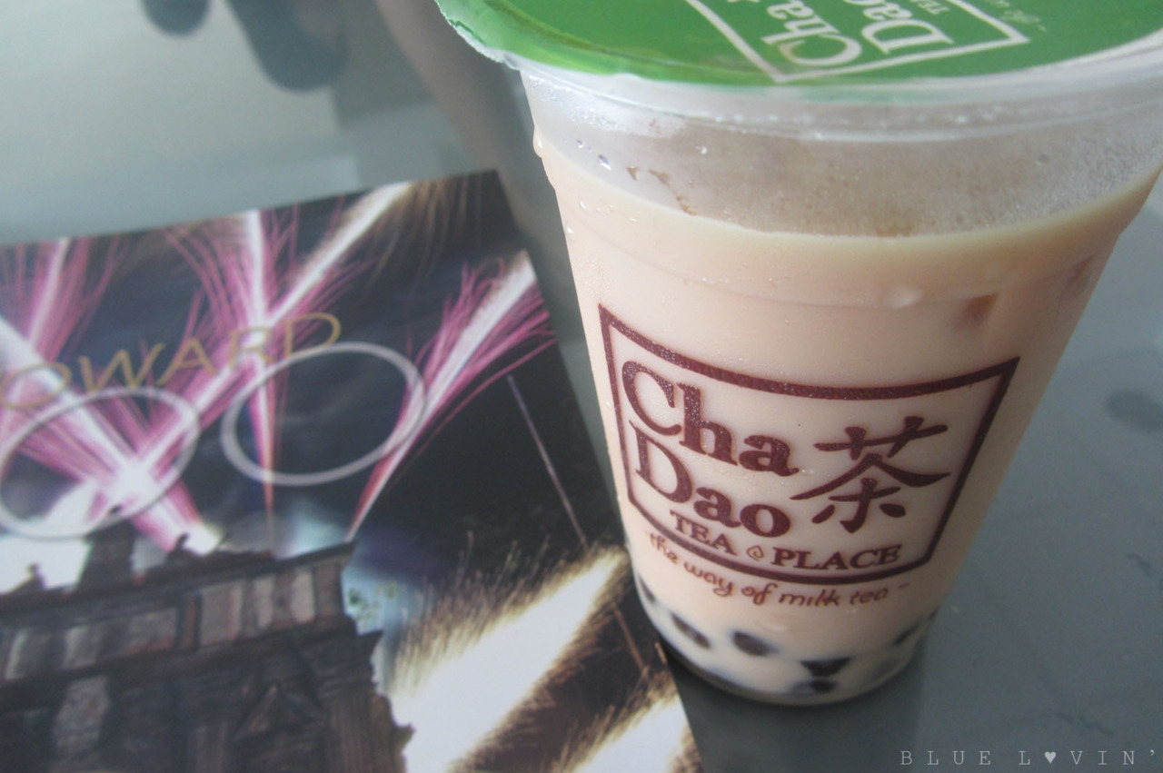 Had Wintermelon milk tea with a friend this afternoon at Cha Dao Tea Place! :D