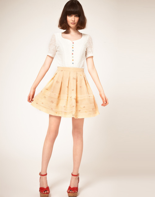Nishe Organza Skirt With Bow EmbroideryMore photos & another fashion brands: bit.ly/JkzjeI