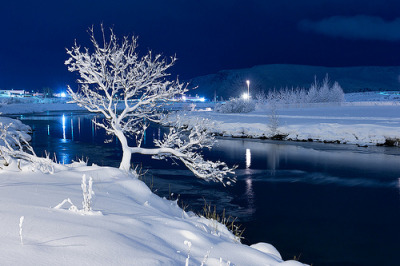 bluepueblo:  White Night, Iceland photo via cosmek
