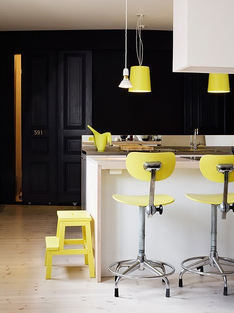 myidealhome:  black + yellow (via Home Colors / French By Design)