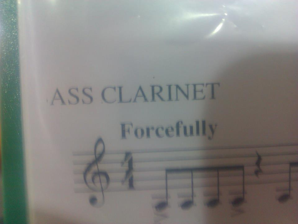 gaafkiin:  jewelots:  ASS CLARINET   forcefully  With diminuendo.