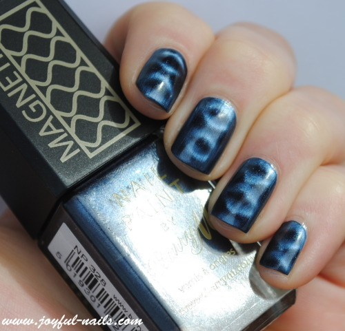 Barry M - Magnetic blue
