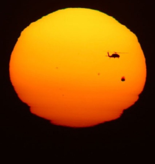 VENUS IN TRANSIT ACROSS THE FACE OF THE SUN (photo by jorge duenes via reuters)
