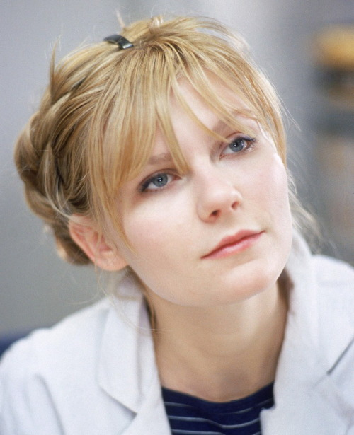 micaceous:  Kirsten Dunst in Eternal Sunshine Of The Spotless Mind directed by Michel Gondry