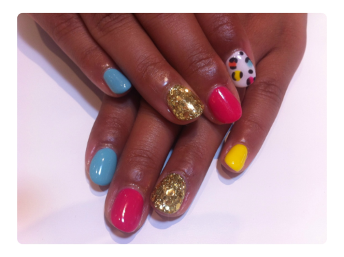 jojonail:  I love summer nails :)