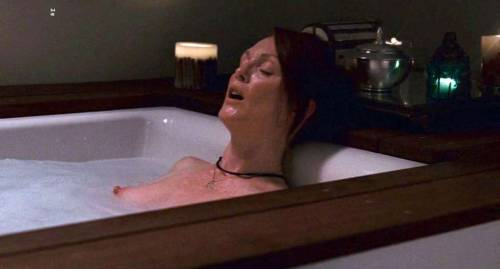 Julianne Moore show tits and fuckingfree nude picturesLink to photo & video: bit.ly/LtIsnO