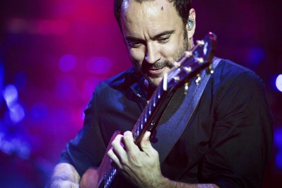 MUSIC REVIEW Dave Matthews offers a sometimes predictable yet fiery mix  Dave Matthews Band's return to regular touring brought it to the Comcast Center, where the band pushed familiar songs into new spaces. (CHAD BATKA FOR THE NEW YORK TIMES/FILE)