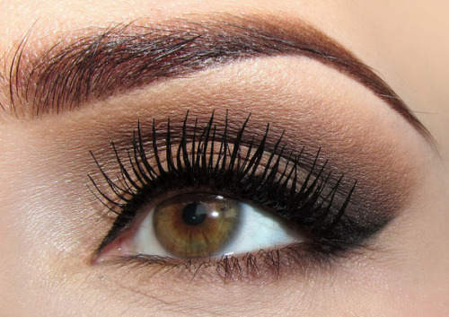 beautylish:  An everyday smoky eye look from Joanna F.!