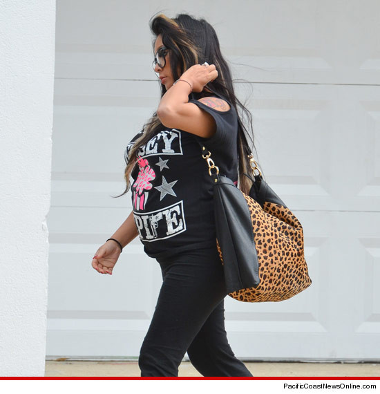 Snooki's baby bump EXPOSED!