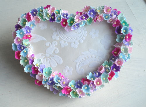 Flowered Heart Frame by such pretty things on Flickr.