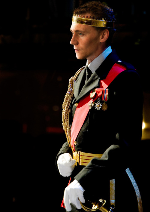 tranimation:  My Prince Charming does exist and his name is Tom Hiddleston…