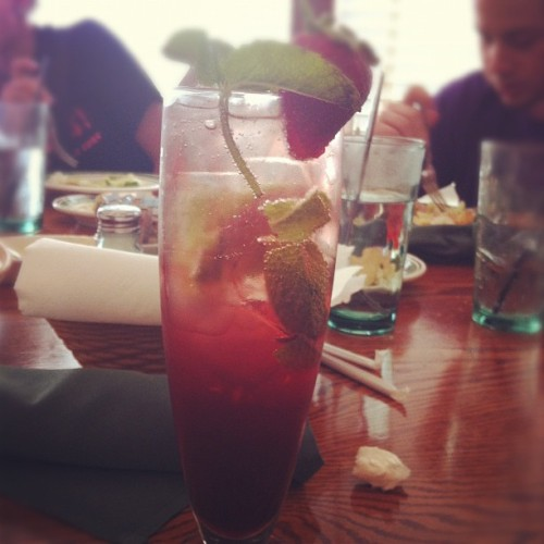 Strawberry-pomegranate mojito. ☺🍸#drink #strawberry #pomegranate #mojito #yum (Taken with instagram)