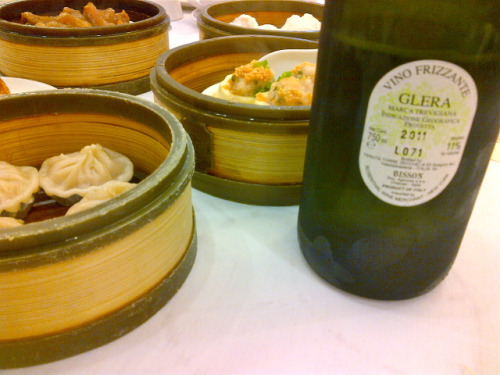 2011 Bisson Glera Prosecco with Sunday brunch dim sum in Millbrae. Amazing Prosecco! Light, intense, sparkling and refreshing, perfect with dim sum!