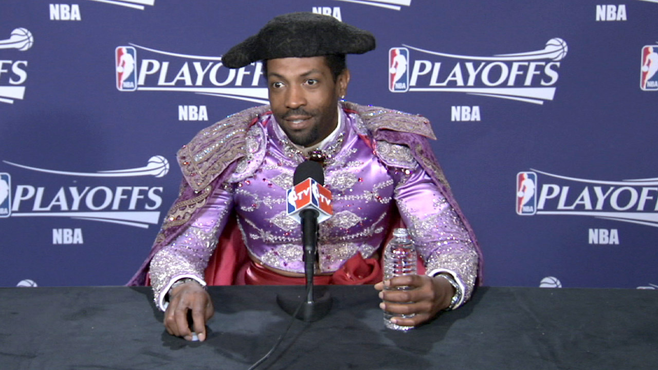 The outfits at these NBA press conferences have really gotten out of hand. [More photos from last night's show]