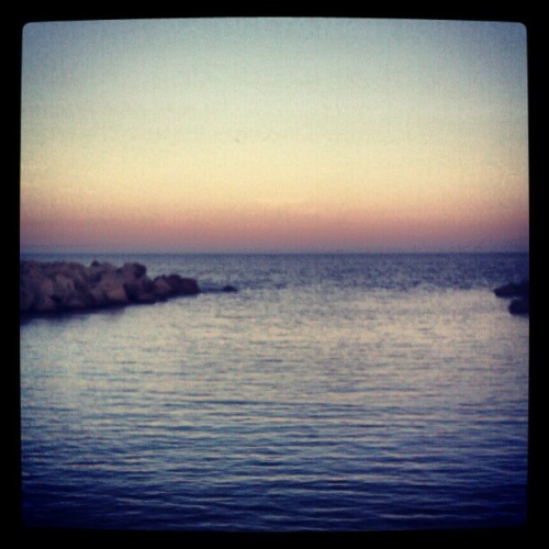The horizon #sea #sunset #sky #ubiquography  (Tomada con instagram)