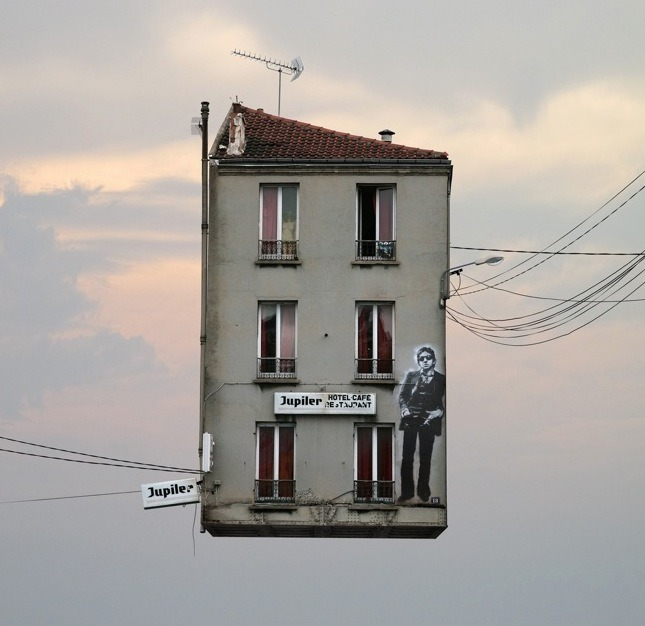 Laurent Chehere's Flying Houses. (via Fubiz)