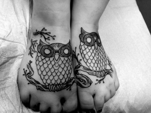 fuckyeahtattoos:  My beautiful owls, which I love so much. Done by Jason Paine at Cottage 13. Hamilton, ON.
