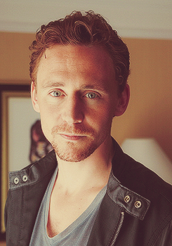 Tom Hiddleston 4-7/?