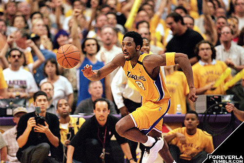 Kobe Bryant drives the ball downcourt during Game 7 of the Western Conference Finals against the Portland Trail Blazers in 2000. (Photo by Tom Hauck/Getty Images)