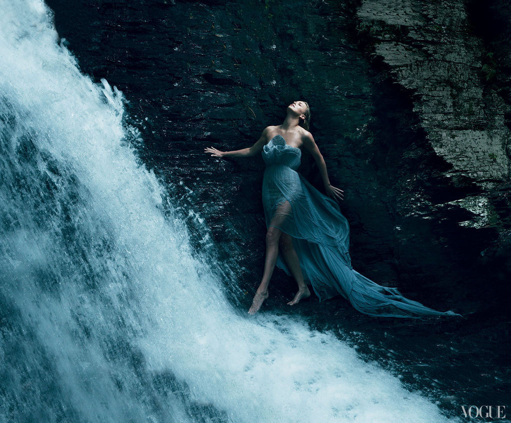 iloverunways:  charlize theron,vogue us,december-2011