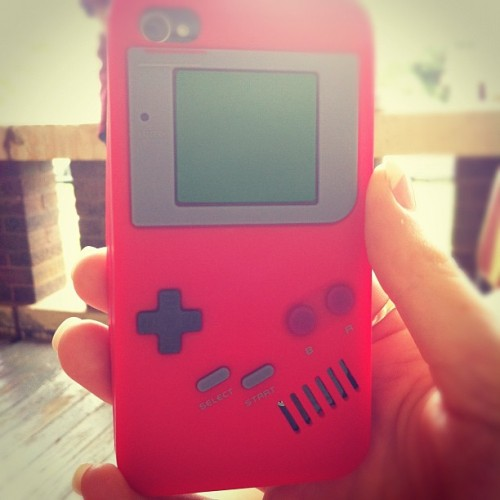 @summahfilm 's phone case. The coolest phone case ever. #gameboy #iphone #case #oldschool #videogames