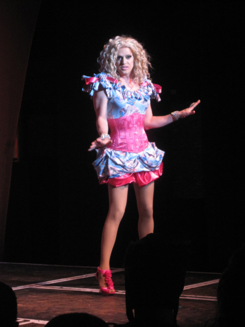 tommya:  Pandora Boxx is 8 Miles Wide | Dreamgirls Revue