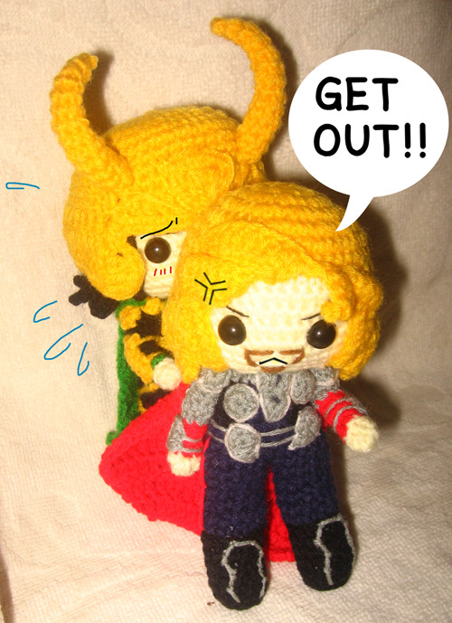 "GET OUT!!!!!!!  ""Mjollnir of my doll it lost… OTL"""