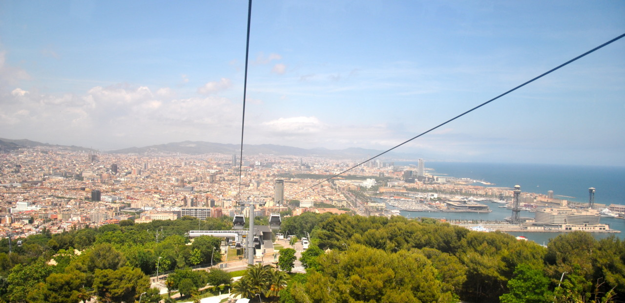libertarianvagabond:  Barcelona from cable car to Castell de MontjüicBarcelona, España            (4 June 2012)