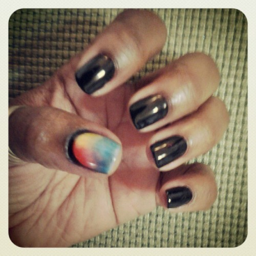 Playing around with my Shellac & pigments… noe getting that black line around my right thumb is going to be a challenge … but hey, I'm a professional!  ;) (Taken with instagram)