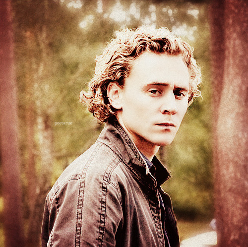 onclekiev:  Curly Hiddles.