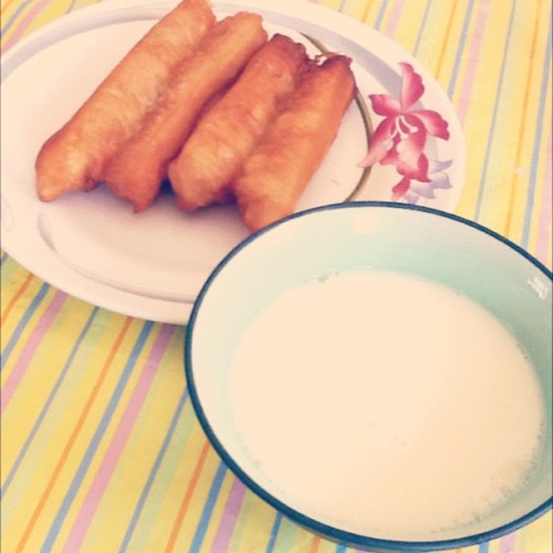 Breakfast, youtiao and homemade soy milk… Can't get any fobbier than that :) (Taken with instagram)
