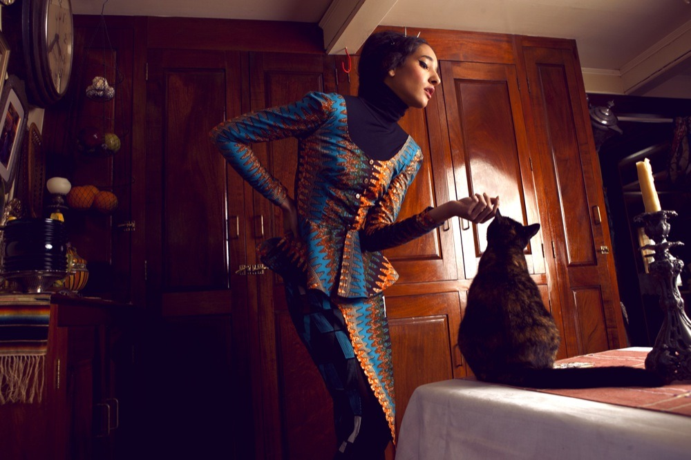 ibraake:  Boxing Kitten. Model: Davina Mulimbi, Hair: Marisa Bollman, Makeup: Stephanie Perez, Styling: Jasmine Benjamin, Creative Director: Maya Lake.