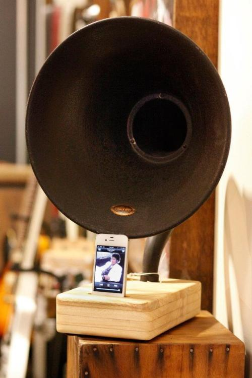 Great shot of the Atwater Kent iPhone Dock