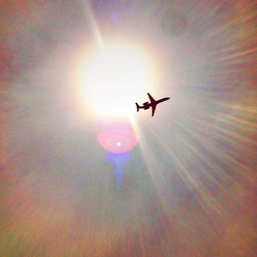 Enlightening the flight ;) #flight #airplane #takeoff #instagramhub #instagram #instagramers #instawow #colorful #sun. #sunrays #raysofhope #iphone4s #iphonography #photooftheday #pictureoftheday #picoftheday #picturewow #dailypic #dailyphoto #texas #coppell #sky #rays (Taken with instagram)
